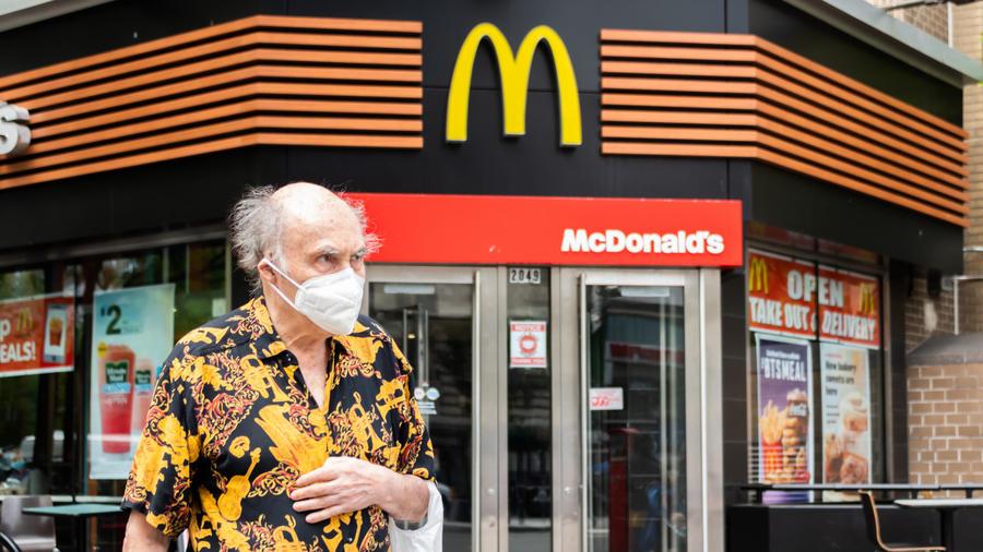 McDonald's da hamburguesas gratis a quienes se vacunan