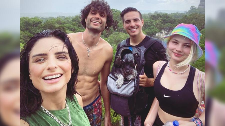 Aislinn Derbez y Vadhir Derbez de viaje en Guatemala
