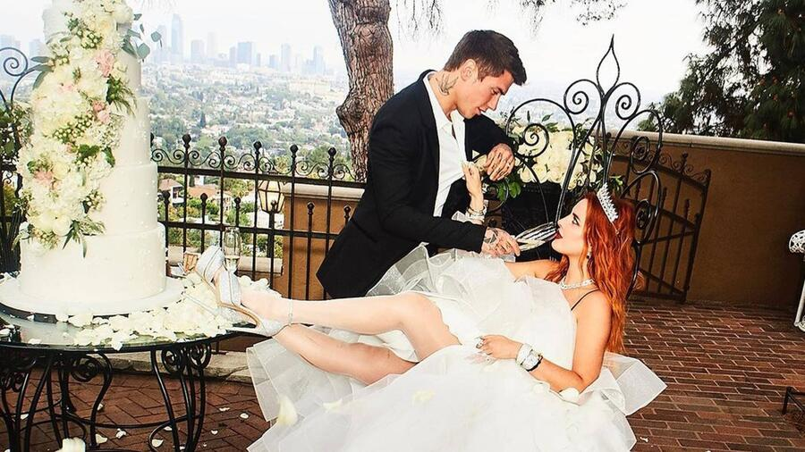 Benjamin Mascolo y Bella Thorne en su sesión de fotos de compromiso