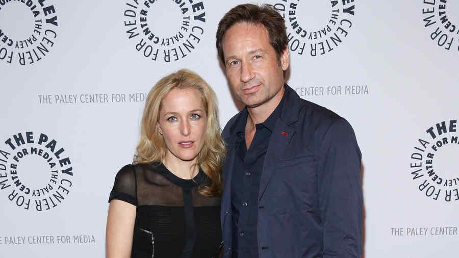 """David Duchovny y Gillian Anderson en """"The Truth Is Here: David Duchovny And Gillian Anderson On The X-Files"""" presentado por Paley Center For Media en Paley Center For Media 2013 en Nueva York"""