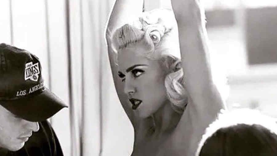Madonna topless en una sesión de fotos