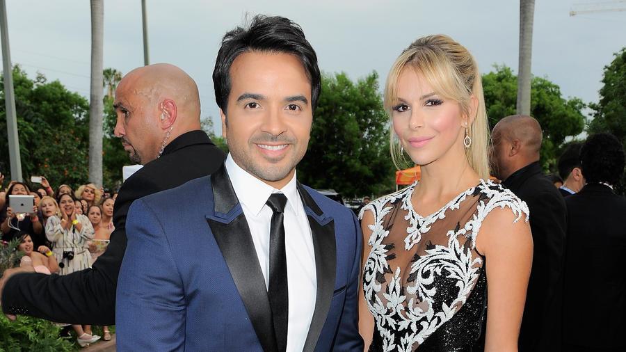 Agueda Lopez y Luis Fonsi Premios Billboard 2015