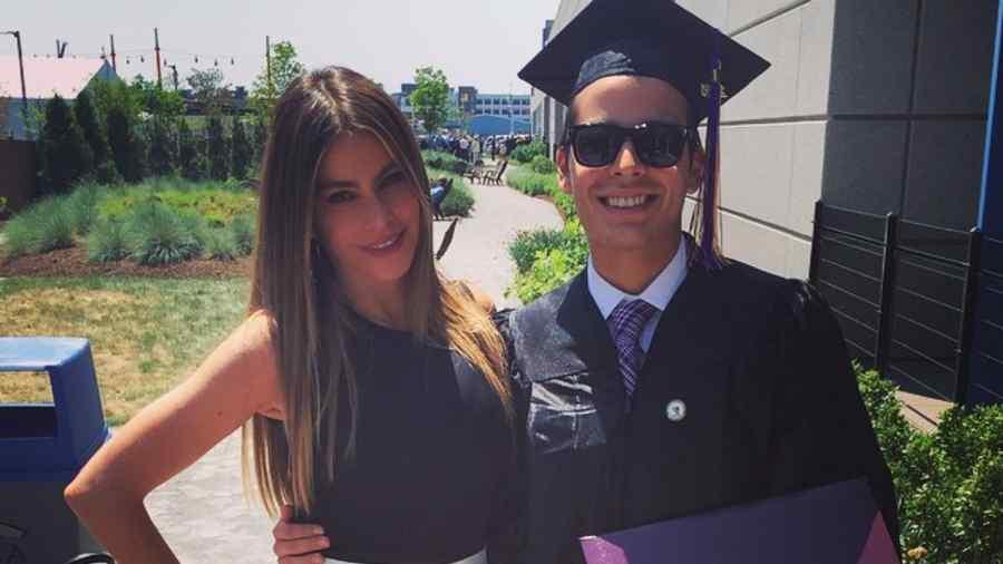 Sofía Vergara y Manolo González en Emerson College