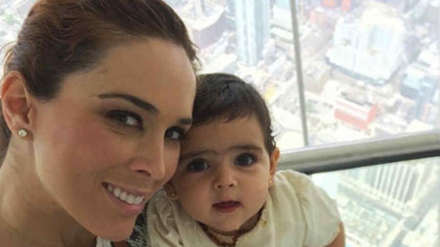 Jacky Bracamontes y su hija Carolina