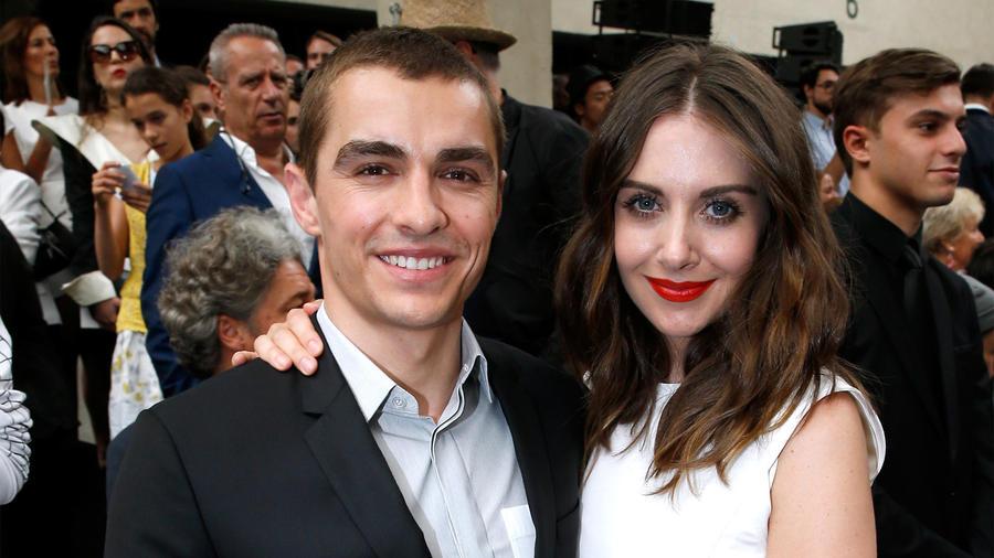 Dave Franco y Alison Brie están comprometidos.