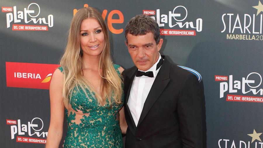 """Nicole Kimpel y Antonio Banderas en los """"TNTLA Platino Awards 2015""""."""