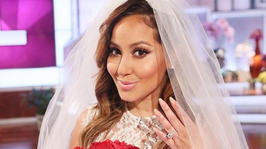 Adrienne Bailon vestida de novia