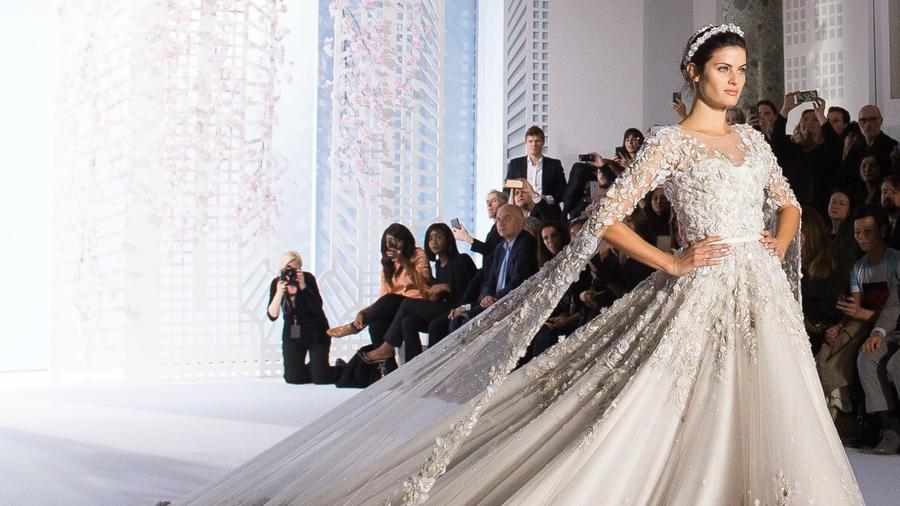 Vestido de novia de Ralph & Russo en la Semana de la Moda Haute Couture de París