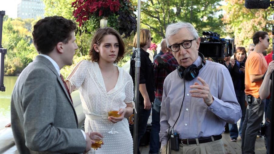 Kristen Stewart, Jessie Eisenberg y Woody Allen