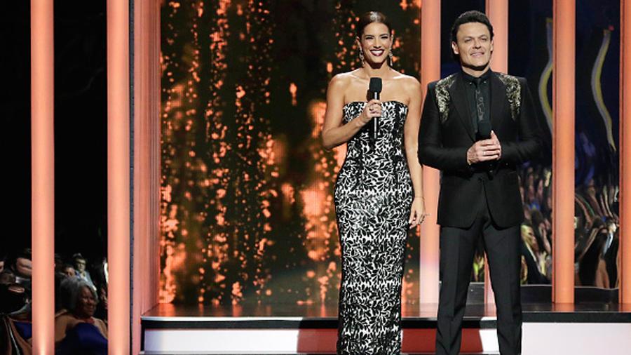 Gaby Espino Pedro Fernández en los Premios Billboard 2015
