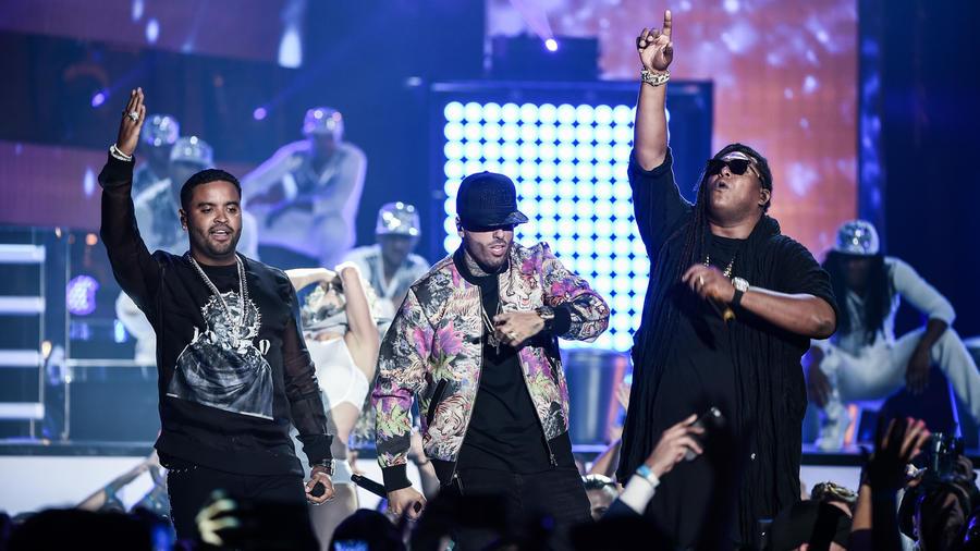 Nicky Jam y Zion & Lennox en presentación de Premios Billboard 2016