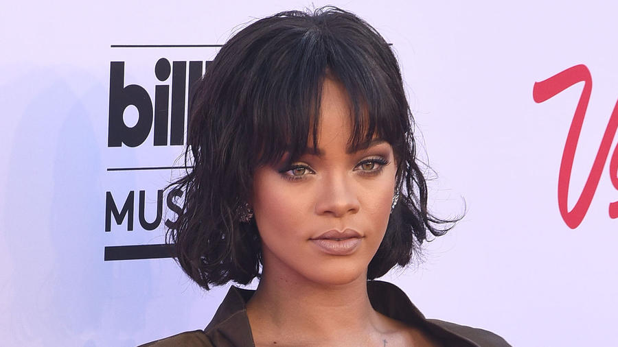 Rihanna en la alfombra de Billboard Music Awards 2016