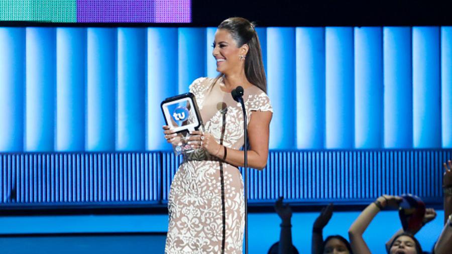 Gaby Espino On Stage at the 2015 Premios Tu Mundo
