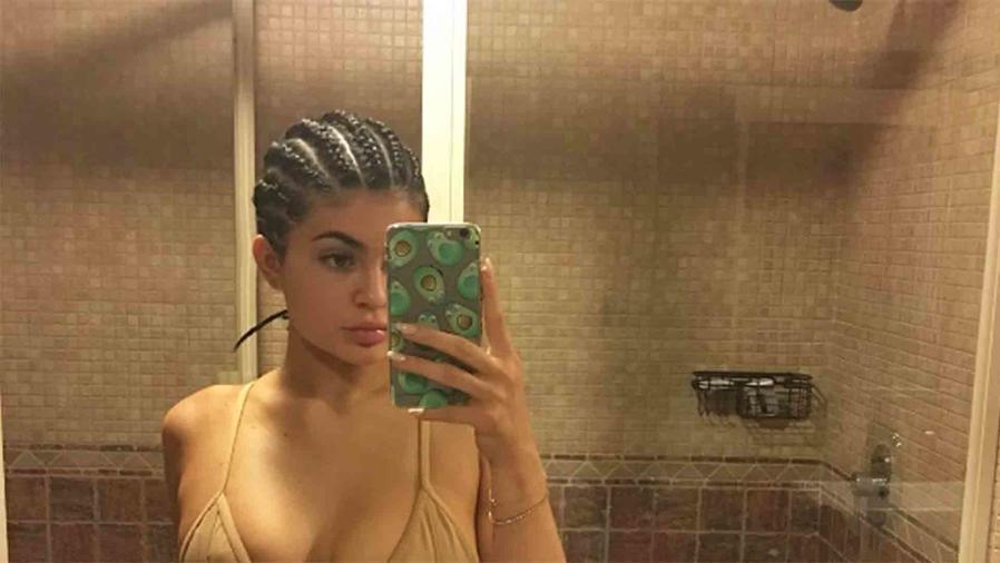Selfie de Kylie Jenner en el baño