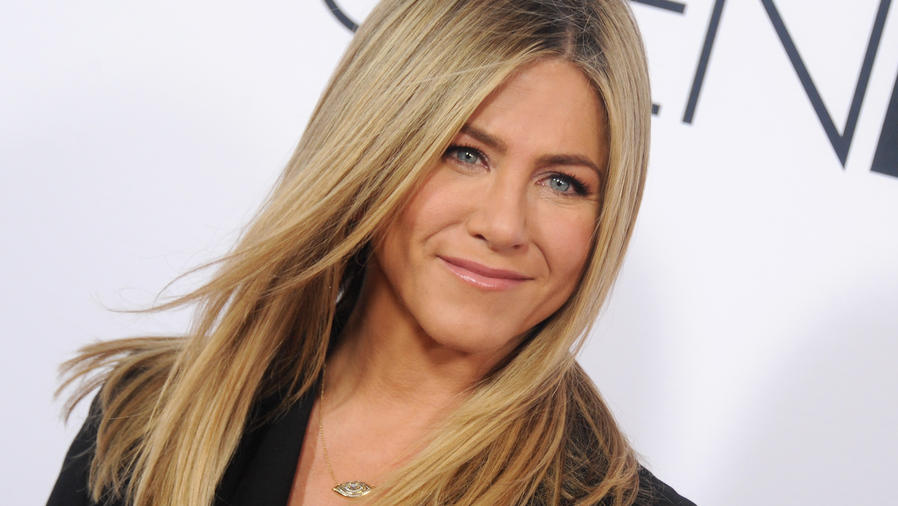 """Jennifer Aniston: Open Roads World Premiere Of """"Mother's Day"""" - Arrivals"""