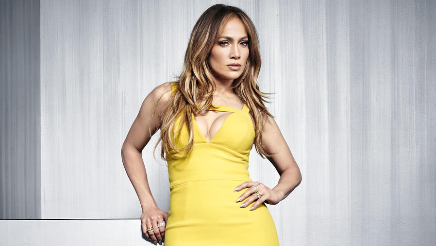 Jennifer Lopez posa en el NBCUniversal Upfront - 2016