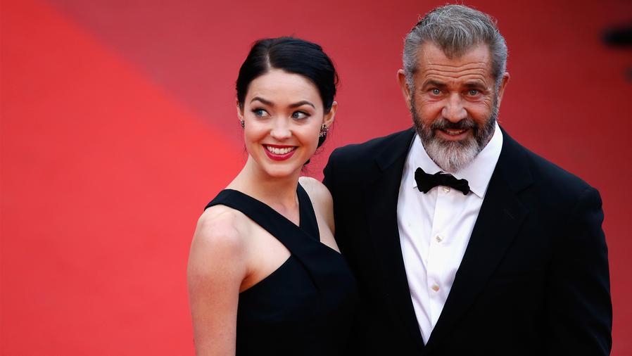 Mel Gibson y Rosalind Ross