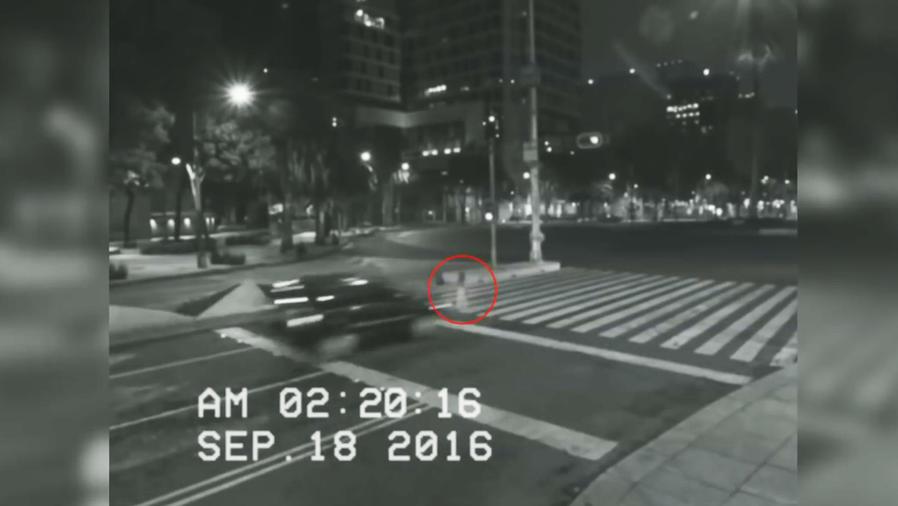 Un video de un fantasma que aparece en la Paseo la Reforma en México se hace viral