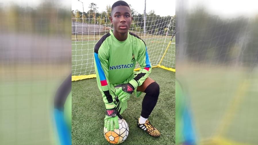 Retrato de Reuben Nsemoh, el joven que despertó de un coma hablando español