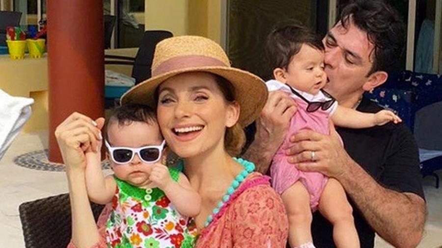 Elizabeth Álvarez y Jorge Salinas con sus hijos