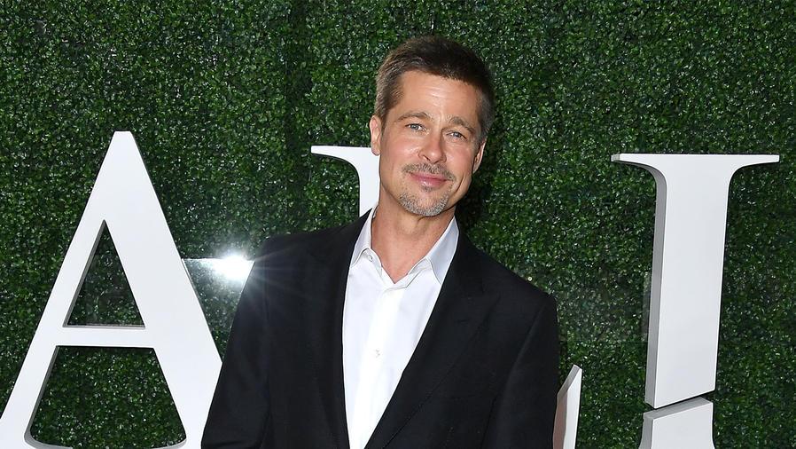 """Brad Pitt asiste a la alfombra roja de la presentación especial de su nueva película """"Allied"""""""
