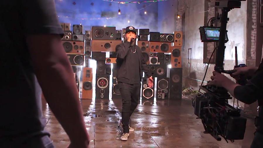 """Nicky Jam detrás de cámaras en el video """"El Amante"""""""
