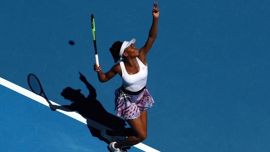 Venus Williams jugando al tenis