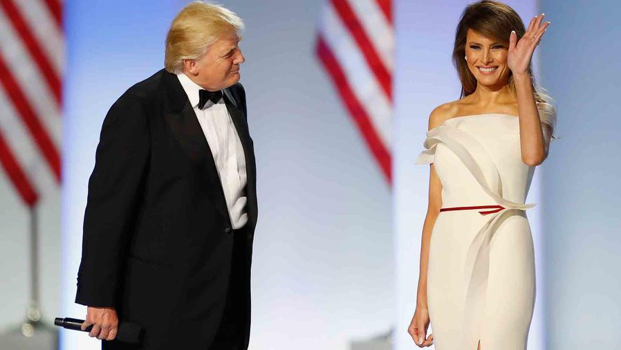 Melania Trump y Donald Trump en el baile inaugural 2017