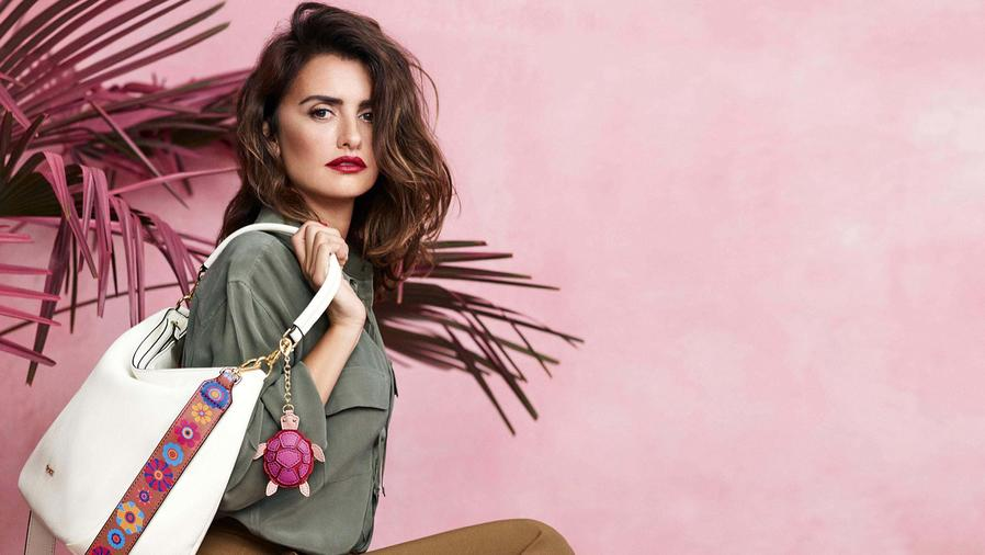Penelope Cruz Stars in the New Ad Campaign for Italian Accessories Brand, Carpisa