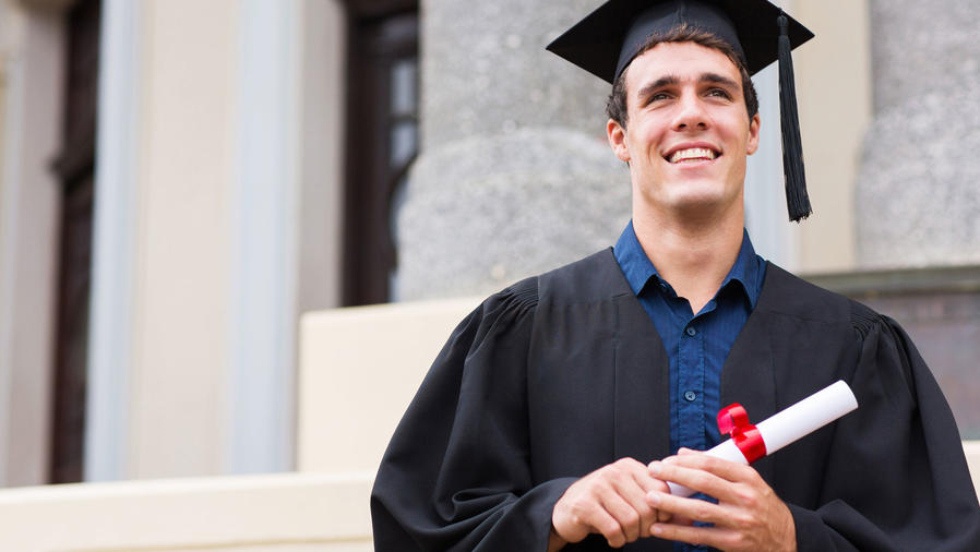 Graduado de universidad Ivy League