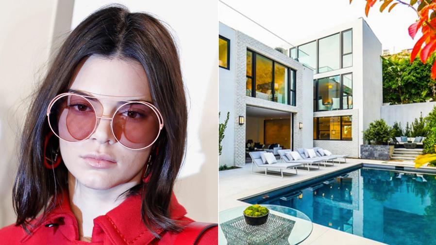 Kendall Jenner usando gafas rojas y su casa en Hollywood
