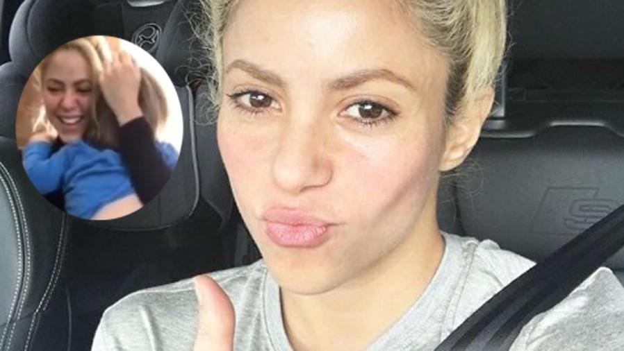 Shakira selfie en el carro
