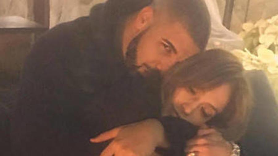 Drake Admits to Sending ''Drunk Texts'' to Jennifer Lopez