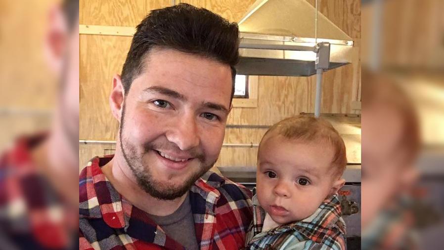 Chris Rehs-Dupin con hijo