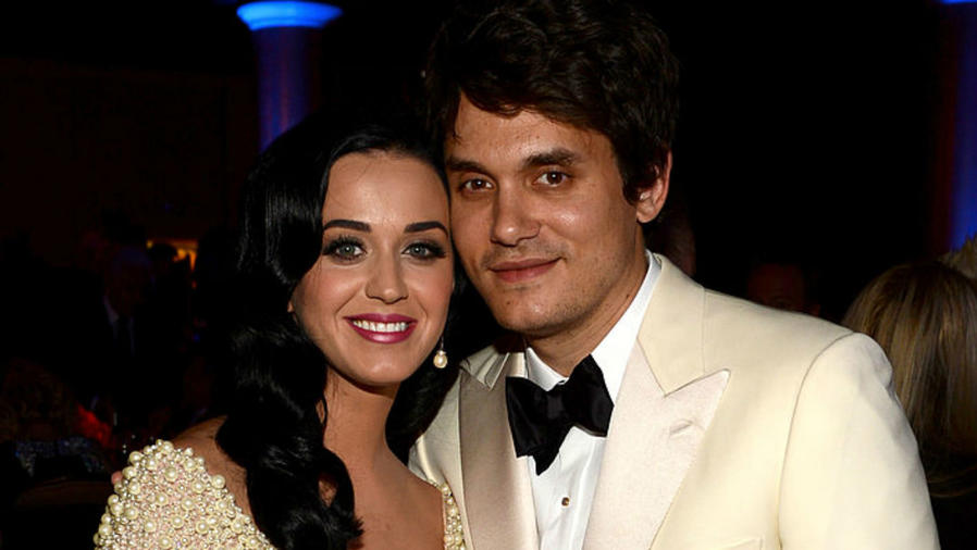 John Mayer y Katy Perry abrazados