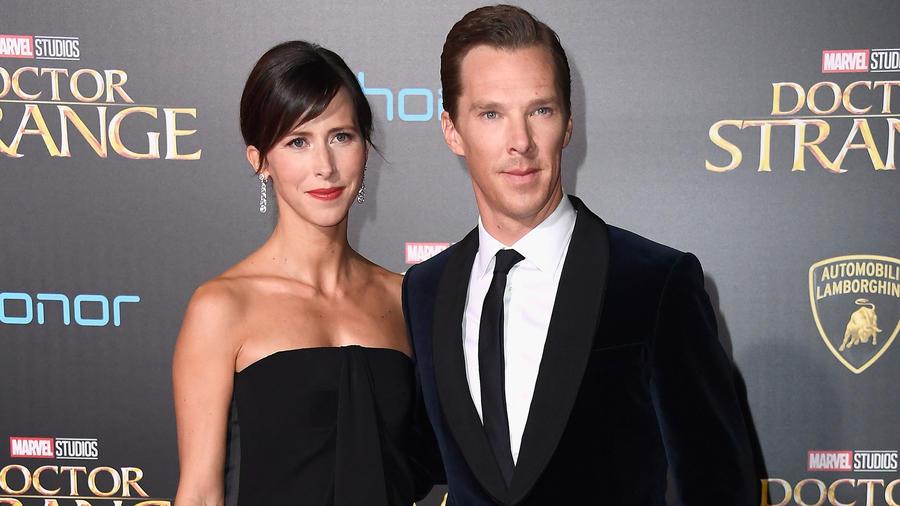 Sophie Hunter y Benedict Cumberbatch en la premier de Doctor Strange