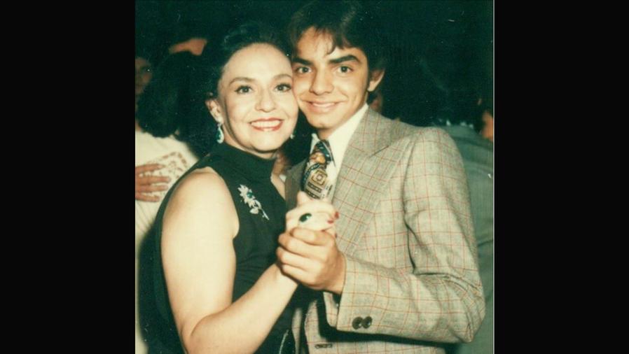Eugenio y Silvia Derbez bailando