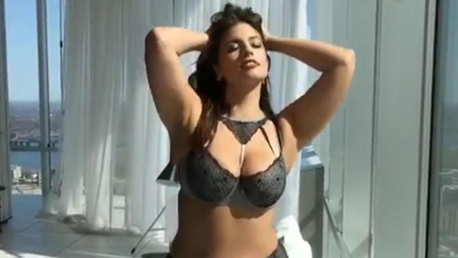 Ashley Graham en lencería