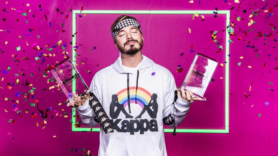 JBalvin feliz con sus Premios Billboards 2017