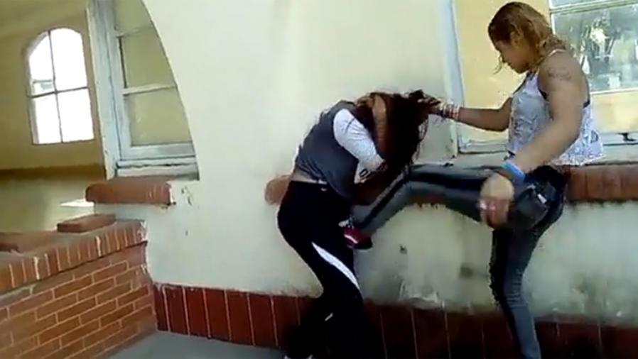 Dos mujeres se enfrentan por novio (VIDEO)