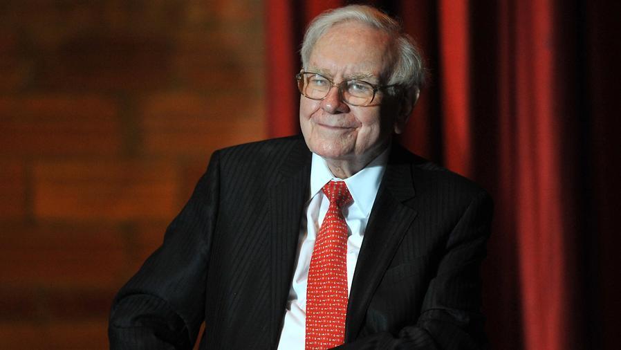 Warren Buffett sonriendo