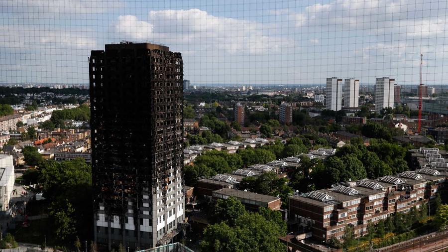 Los restos de la torre Grenfell Tower que se incendió en Londres el 14 de junio del 2017