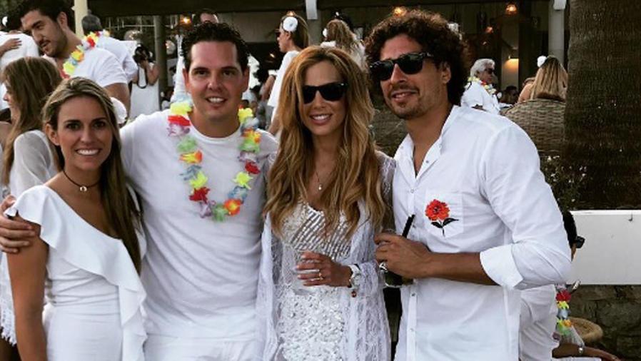 Karla Mora y Memo Ochoa en Ibiza