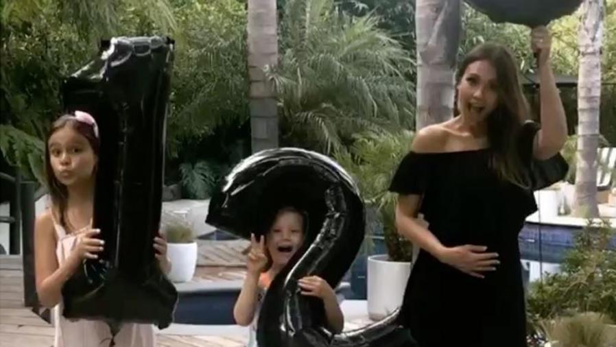 Jessica Alba con sus hijas Honor y Haven
