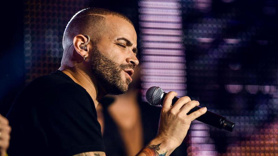 Nacho en los ensayos de Premios Tu Mundo 2017