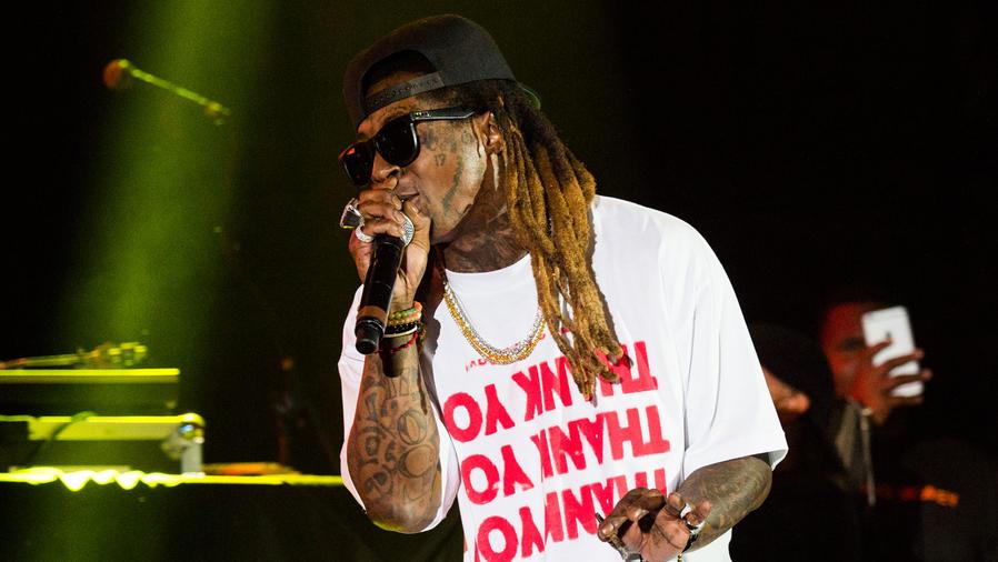 Lil Wayne fue hospitalizado por convulsiones múltiples