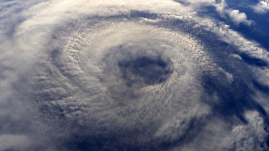 Huracán visto desde el cielo