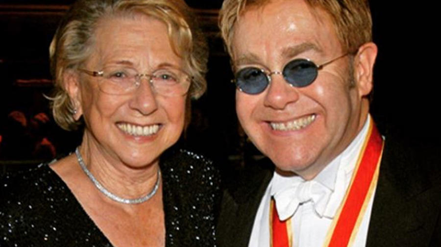 Mamá Elton John