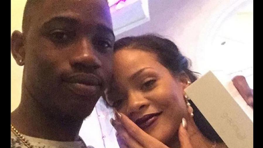 Rihanna con su primo