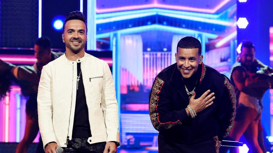 Luis Fonsi y Daddy Yankee en los Premios Grammy
